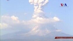 Meksika'daki Colima Yanardağı Yeniden Faaliyette