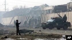 Un suicida talibán detonó un vehículo cargado de explosivos en la capital de Afganistán, Kabul, el lunes 14 de enero de 2019 por la noche.