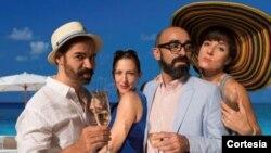 Los actores Carlos Castillo, Luz Nicholas, Chani Martín y Maggie Bofill se lucieron con un género difícil como la comedia donde a la vez conduce a la reflexión de lo que se es en la vida. [Foto: Cortesía, Teatro Gala].