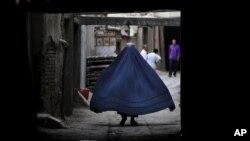 بر اساس این گزارش کوچه و بازار و مکان های عامه نیز محلاتی اند که زنان در آن مورد خشونت قرار می گیرند