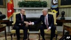 Tramp va Erdog'an Oq uyda, 16-may, 2017-yil