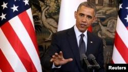 El presidente Obama habla en Varsovia, Polonia.