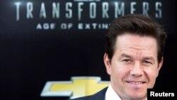 Mark Wahlberg tiba pada pemutara perdana 'Transformers: Age of Extinction' di New York, Juni tahun lalu.