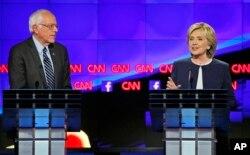 Berni Sanders va Hillari Klinton