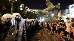 Novinari na udaru policije i demonstranata