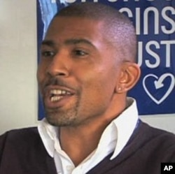 Marc Thompson, from the AIDS campaign group the Terrence Higgins Trust, helps HIV-positive people in London's African community (file)