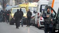 پولیس بلجیم مصروف بازرسی وسایط نقلیه در روز جمعه است.