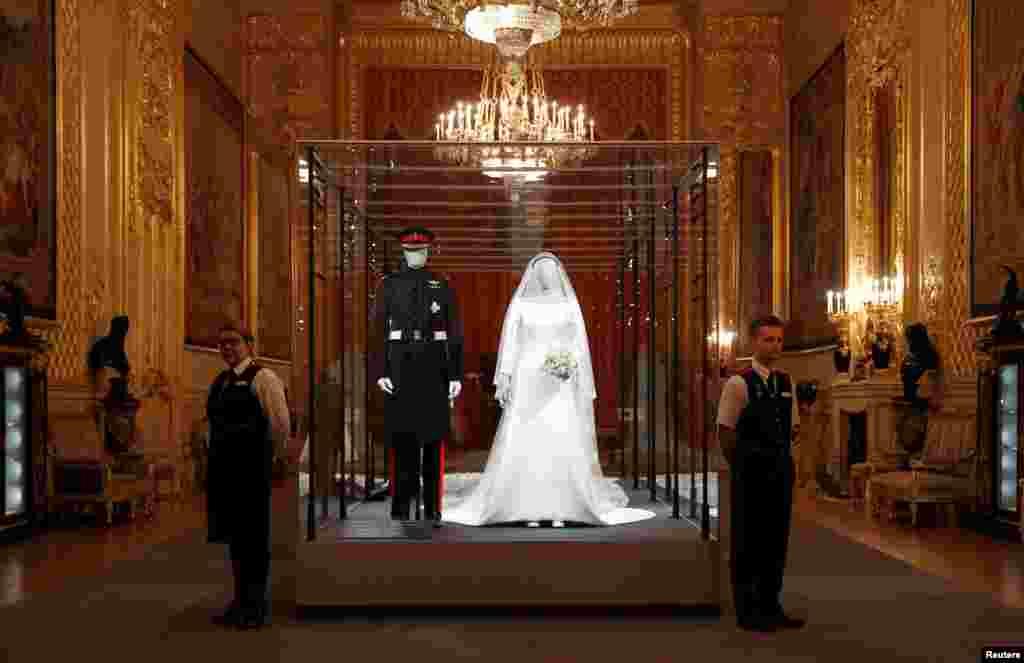 لباس های عروسی شاهزاده هری و دوشس مگان پیشاپیش افتتاح نمایشگاه مراسم ازدواج های سلطنتی بریتانیا که به زودی در کاخ ویندزور افتتاح خواهد شد.