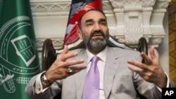 عطا محمد نور از حامیان عمدۀ عبدالله عبدالله رئیس اجرائیۀ افغانستان بوده است