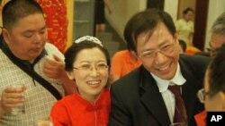 秦永敏王喜鳳在婚禮上