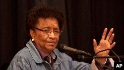 Mme Sirleaf s'adressant aux agents de santé