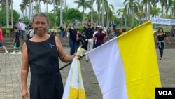 Una de las mujeres que rindió homenaje a las personas asesinadas durante las protestas sociales del 30 de mayo de 2018, así como a sus madres, en Managua, Nicaragua. Photo: Daliana Ocaña - VOA