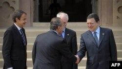 Greqia merr këstin e parë të huasë nga Bashkimi Evropian