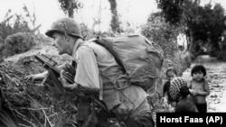 AQSh harbiysi Vyetnam urushida. 1967-yil.