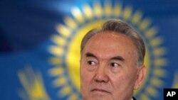د قزاقستان جمهوررئیس نورسلطان نظربایوف