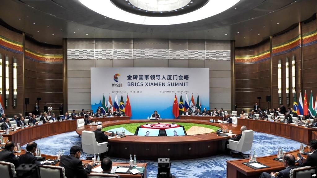 金磚國家廈門峰會全體會議於2017年9月4日在中國福建省廈門舉行。