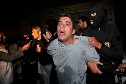 بازداشت خلافکاران در طرح «امنیت اجتماعی» و ضرب و جرح آنان در محل