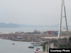 """Đại công trường của dự án """"Công viên Đại dương"""" do tập đoàn Sun Group làm chủ đầu tư. Ảnh: Lê Anh Hùng."""