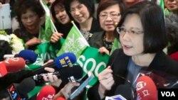 台灣民進黨主席暨總統參選人蔡英文在芝加哥接受媒體訪問。(視頻截圖)