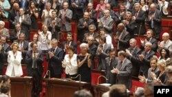 Fransız Parlamentosu Herve Ghesquiere ve Stephane Taponier serbest bırakılmasını sevinçle karşıladı