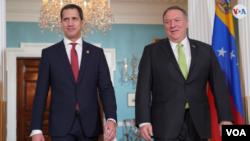 El presidente interino de Venezuela, Juan Guaidó, en el encuentro con el secretario de Estado de EE.UU., Mike Pompeo, este jueves 6 de febrero de 2020 (Foto: Jorge Agobian)