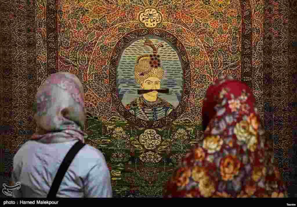 مجموعه موزه فرش ایران، شامل با ارزشترین نمونههای قالی ایران از قرن نهم هجری تا دوره معاصر است.
