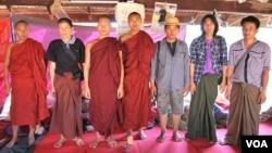 缅甸僧侣参加抗议中缅合资莱比塘铜矿的活动。(图片摄影:朱诺)