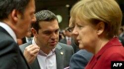 Grčki premijer Aleksis Cipras i nemačka kancelarka Angela Merkel na samitu EU u Briselu