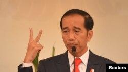印尼总统维多多希望三国伊斯兰学者会议能找到和平解决阿富汗战争方案