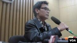 Wakil Ketua KPK Johan Budi menilai wacana pemberian remisi untuk koruptor merupakan kemunduran dalam pemberantasan korupsi. (foto: VOA/Andylala)