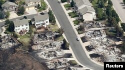 Mấy trăm căn nhà ở Colorado Springs, trong bang Colorado, bị thiêu rụi