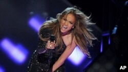 Jennifer López brilló en el escenario de los Billboard 2014
