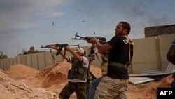 Libya'da Sirte'ye Saldırılar Sürüyor