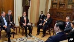 眾議院議長貝納(左)會晤中國國家副主席習近平(右)。