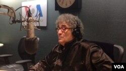 استاد الطاف حسین سرآهنگ در ستدیو های رادیوآشنا