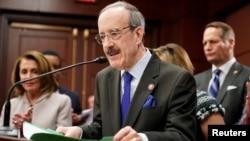 眾議院外委會主席恩格爾3月29日在國會出席記者會。