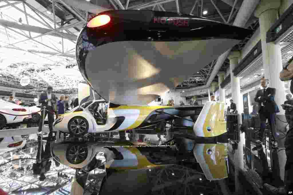 نمایش آخرین نمونه از ماشین پرنده توسط ایروموبیل شرکت سازنده ماشین های پرنده در موناکو