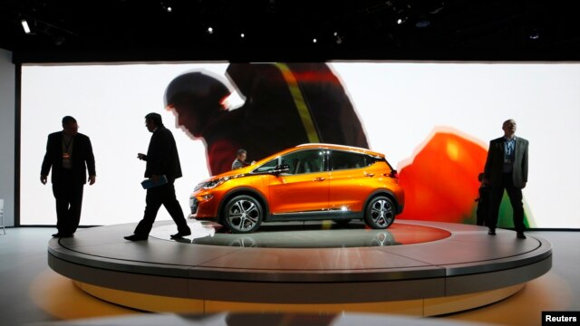 A Chevrolet Bolt EV electric vehicle is displayed at the North American International Auto Show in Detroit, Michigan, Jan. 12, 2016.