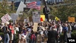 La encuesta explica en buena medida las crecientes protestas contra Wall Street.