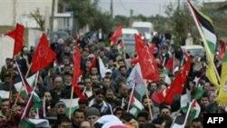 Похороны 36-летней участницы демонстрации Джавахер Абу Рахмы. Западный берег. 1 января 2011 года