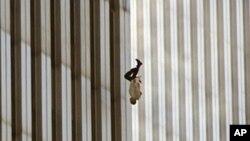 Tko je čovjek na fotografiji poznatoj po imenu Falling Man?