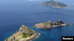 圖中的群島在日本被稱為尖閣諸島,在中國被稱為釣魚島及其附屬島嶼。