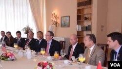 Американские конгрессмены с визитом в Албании