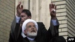 """Ông Karroubi, giáo sĩ Iran ôn hòa chủ trương cải cách, nói việc từ chối không cho phép tập họp để ủng hộ cuộc nổi dậy chứng tỏ lập trường của chính phủ là """"giả tạo."""""""