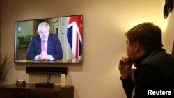 Борис Джонсон оголосив нові жорсткіші карантинні обмеження в Британії під час телезвернення 23 березня 2020 р.