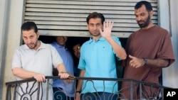 Los liberados de Guantánamo que llegaron a Uruguay, son cuatro de Siria, uno de Túnez y otro de Palestina.