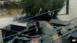 시위 진압에 출동한 시리아 군 차량