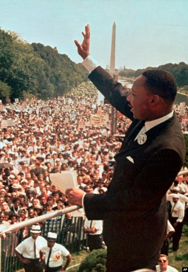 """美国民权运动领袖马丁·路德·金1963年8月28日在首都华盛顿发表""""我有一个梦想""""的演说。"""
