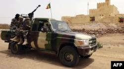 Une patrouille de l'armée malienne à Kidal, Mali, 29 juillet 2013.