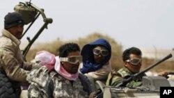 Líbia: Rebeldes impõem condições para o cessar-fogo
